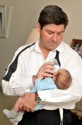 Chris Allen with newborn Rhett 2012
